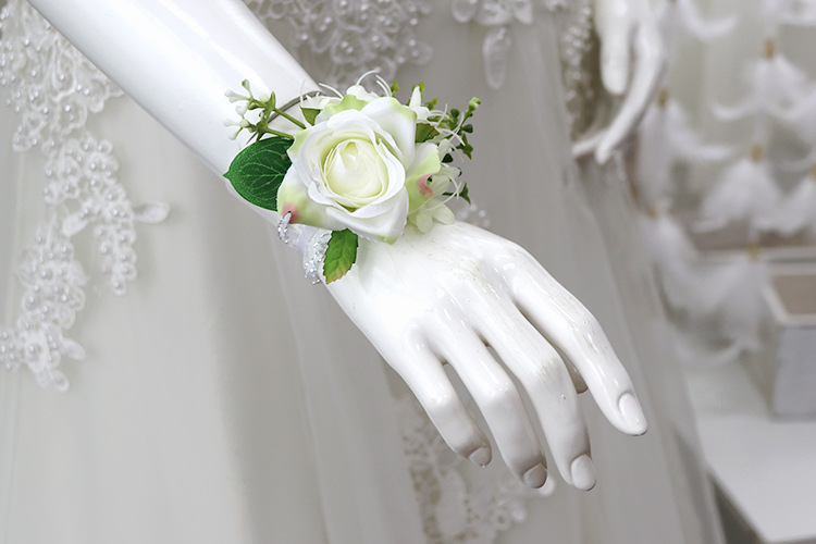 wedding corsages boutonnieres (10)