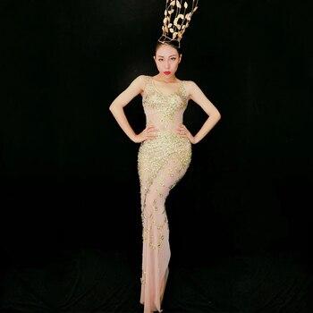 d9130879bf55 Brillantes diamantes de imitación flores largo tren vestido Glisten piedras  de las mujeres traje de ...