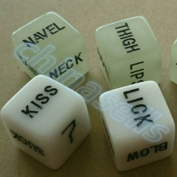 2pcs Noctilucent sexy couple Dice 16mm luminous Fun Board Game sexy erotic lovers dice Night Bar KTV adult Game Dice solid polished brass dice 20mm metal cube copper poker bar board game gift 1pc