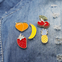 Cartoon spilla pera fragola banana ananas ciliegia frutta serie denim distintivo(China)