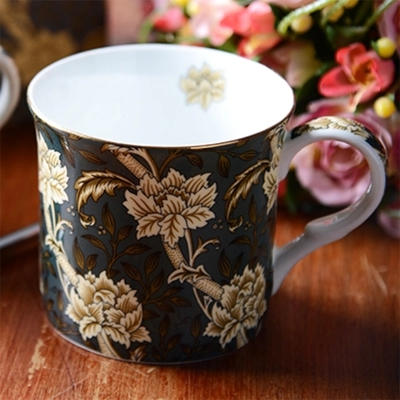 European Creative Flower Pattern Ceramic Coffee Mug With Handle Fine Bone China Breakfast Cup For Milk Tea Unique Water Cup Gift in Mugs from Home Garden