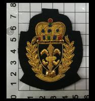7 cm Couronne Indien Soie Emboridered Patch Broche Perlée Applique Patches Vintage Brodé Badge Mode Vêtements Décoration