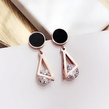 27add8a19504 Vintage mujeres geométricas cuelgan los pendientes redondos triangulares  pendientes Zirconia pendientes geométricos simples para las mujeres