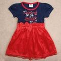 2016 nova bebé vestido de niña de verano de manga corta lazo rojo carta cordón de la muchacha del vestido de la nueva manera vestidos de fiesta para niños ropa de la muchacha