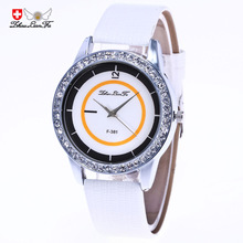 Творческий масштаб Silver Diamond Сплава циферблат 20 мм белый кожаный ремешок Для мужчин Пара моды кварцевые часы синий наручные часы Для мужчин S C447