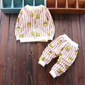 Nueva llegada 2016 del otoño del bebé del algodón conjuntos de rayas chaquetas con cremallera + pants 2 unids traje de moda niño niños niñas que arropan el sistema