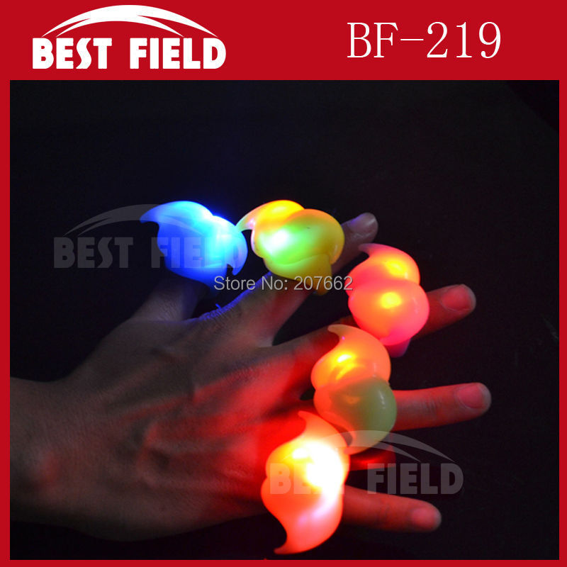 Free Shipping 5pcs/lot soft flicker led beard finger ring novelty finger light jelly ring for party supplies