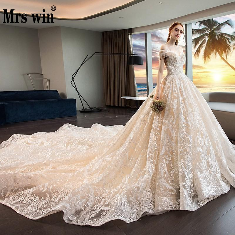 Mrs Win 2020 New Elegant Boat Neck Luxury Lace Embroidery Sweep Train Wedding Dress Princess Noble Vestido De Noiva Plus Size F