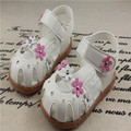 New 2016 kid sandals rivets flower toe cap sandals baby first walker child soft leather sandal girls princess sandals baby shoes