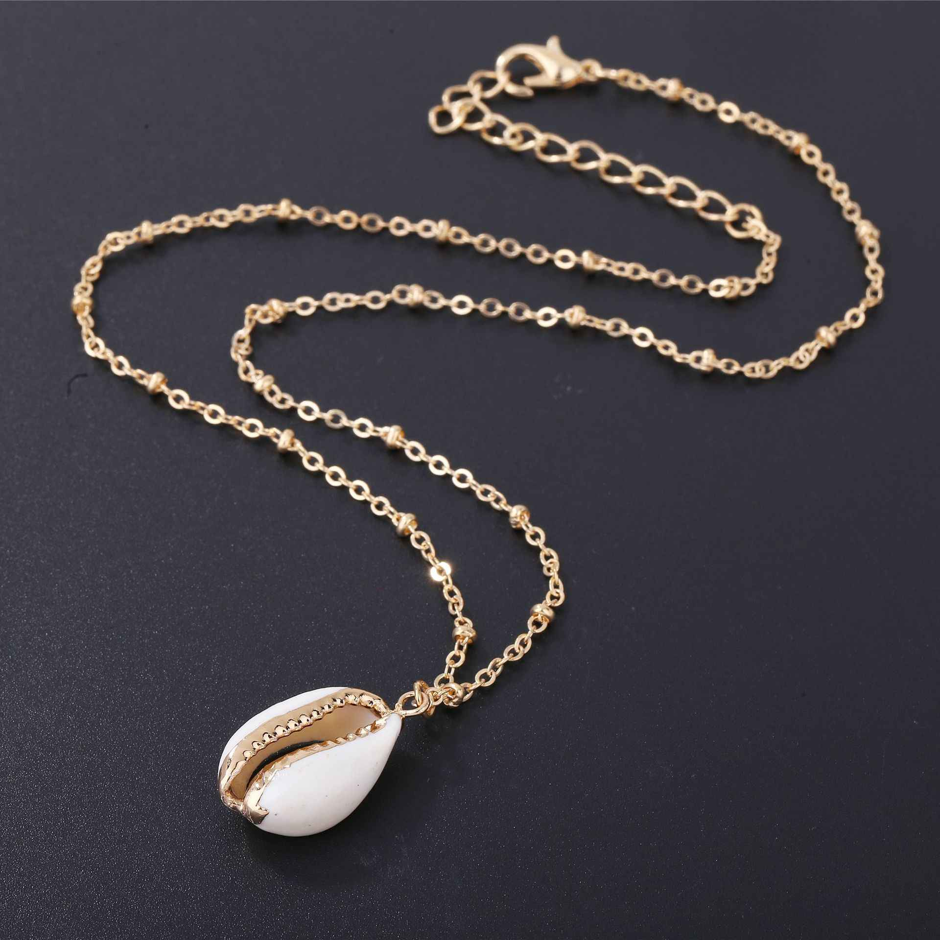 Fashion Natural Shell-Wrapped Gold Necklace for Women Natural Cowrie Shell Pendant With Double Bails Gold Trim Chain Necklace