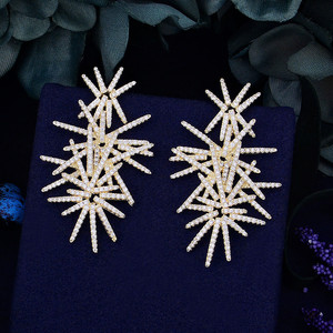 Image 2 - Godki fogos de artifício de luxo na moda zircônia cúbica festa de casamento gota brinco moda jóias para mulher