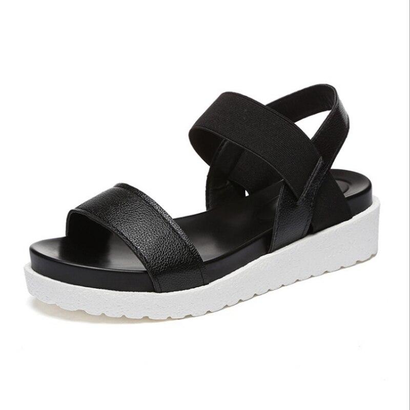 пластиковые ботинки с отверстиями