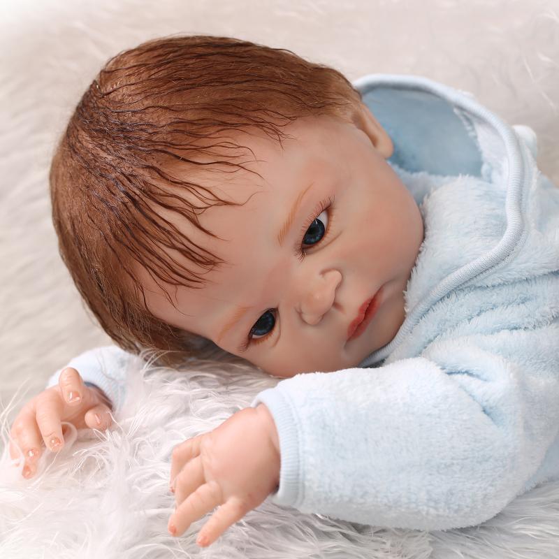 Full silicone reborn baby boy dolls 57CM lifelike newborn boy with blue clothing children gift bonecas Full silicone reborn baby boy dolls 57CM lifelike newborn boy with blue clothing children gift bonecas