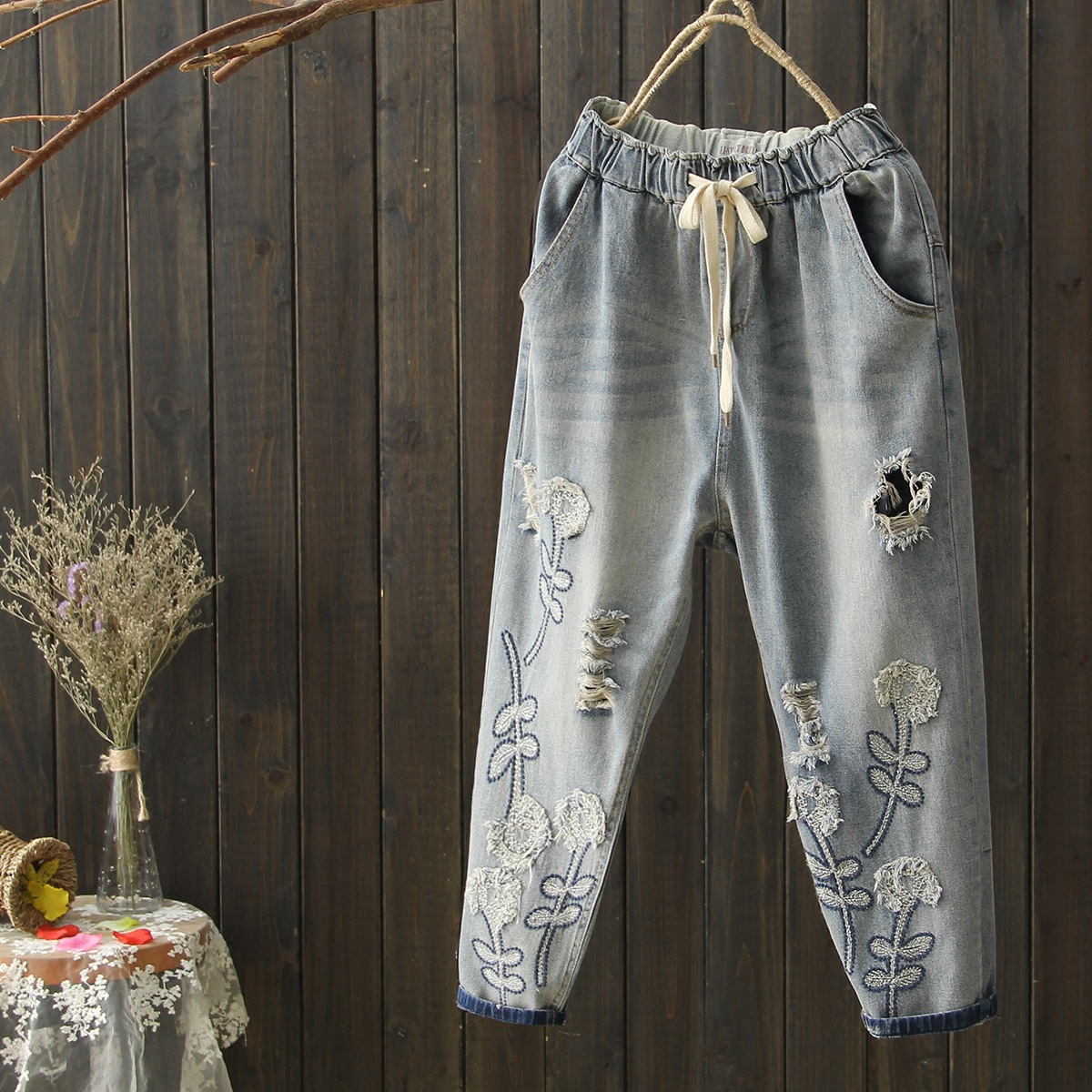 Women Spring Summer Large size Elastic Waist Jeans 2017 Denim Trousers Loose High Quality Embroidery Ripped
