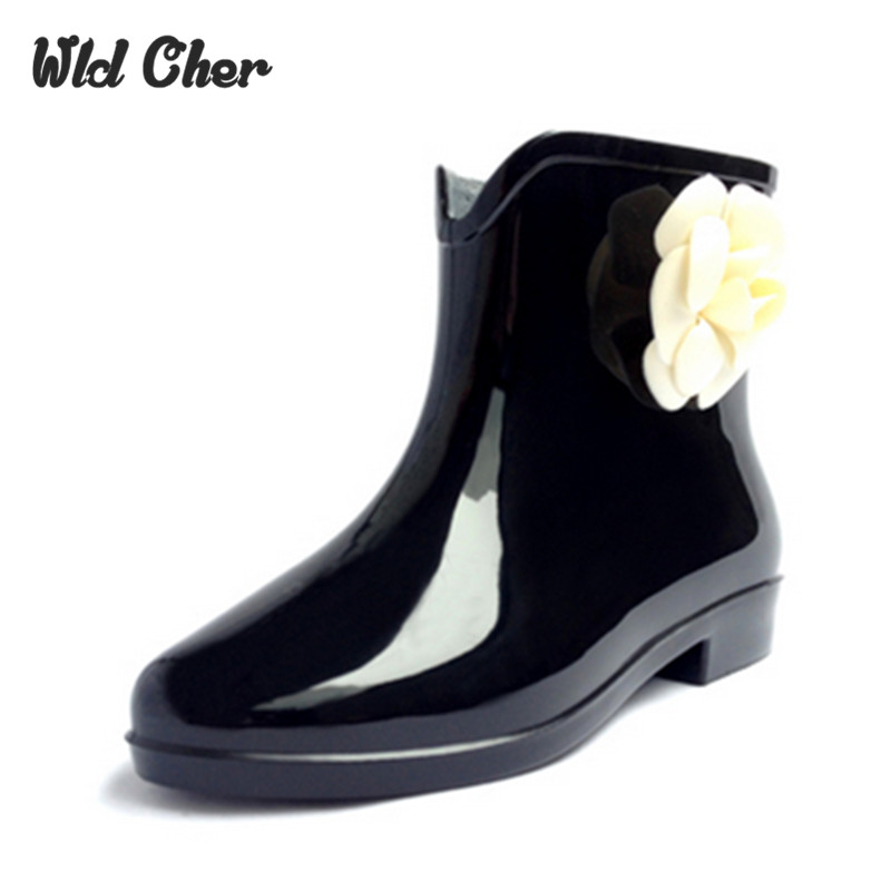 Catching New Flower Woman Rain Boots Rubber Shoes Women Boot 2017 Girls multi-color Casu ...