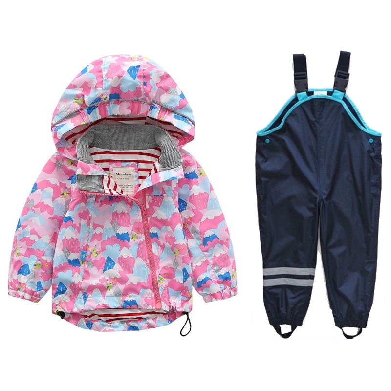 Spring and Autumn Childrens Hooded Windproof Jacket Waterproof Boys and Girls Spring and Autumn Jackets + PantsSpring and Autumn Childrens Hooded Windproof Jacket Waterproof Boys and Girls Spring and Autumn Jackets + Pants