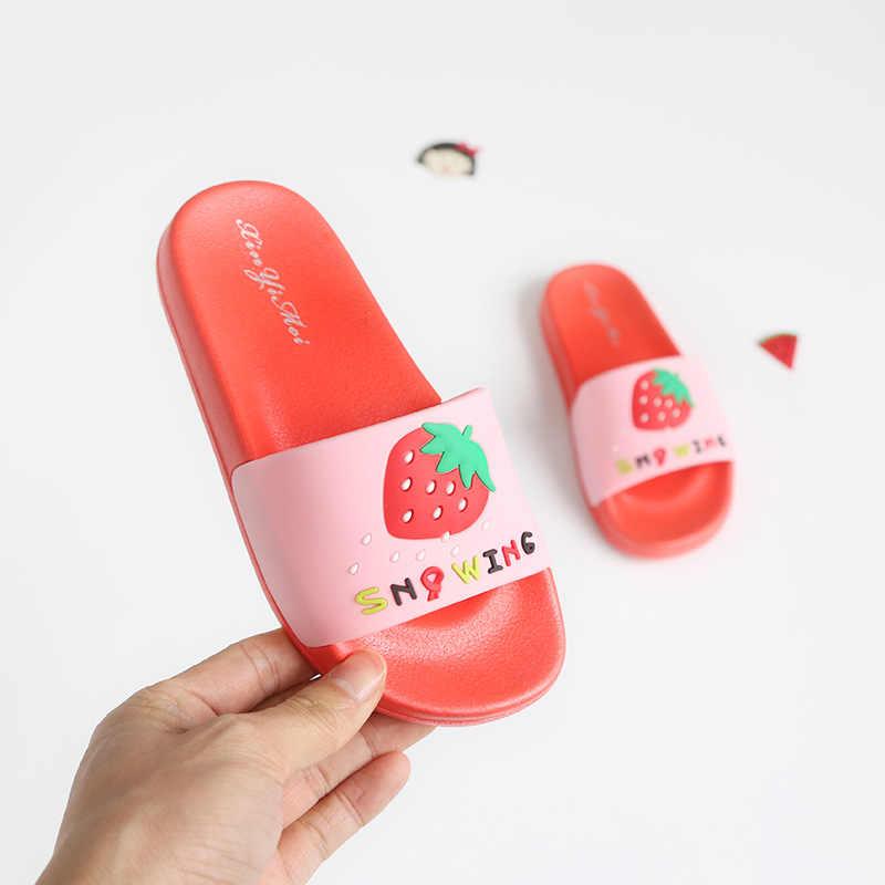 Детские шлепанцы для девочек; водные шлепанцы детские шлепанцы с открытым носком; детская обувь с фруктовым принтом; летняя одежда для плавания для детей; домашняя обувь для ванной комнаты