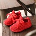Nuevo 2017 chicas deportes shoes boy raya kids fashion shoes niños suaves zapatillas de deporte shoes bebé infant shoes, ajuste más pequeño de lo habitual