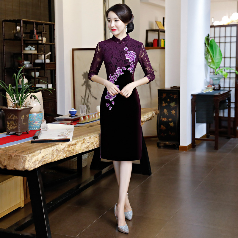 Dentelle De Velours Bouton Vert En bourgogne Printemps Femmes Vintage Chinois 2018 pourpre Fête Style Qipao Longueur Cheongsam Noble Genou Robe Mince ExWodCQrBe