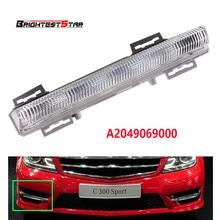 цены Right DRL Daytime Running Lamp Foglight Car Fog Light Lamp For Mercedes-Benz C-Class W204 S204 W212 R172 2009-2014 2049069000