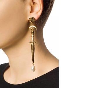 Image 3 - Amorita boutique Asymétrique lune épée perle boucles doreilles