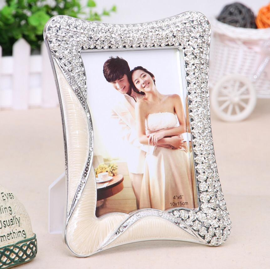 SUFEILE Hot sale 6 inch & 7 inch picture frame Europea style photo frame Valentine 's Day wedding gift Pendulum frame D50