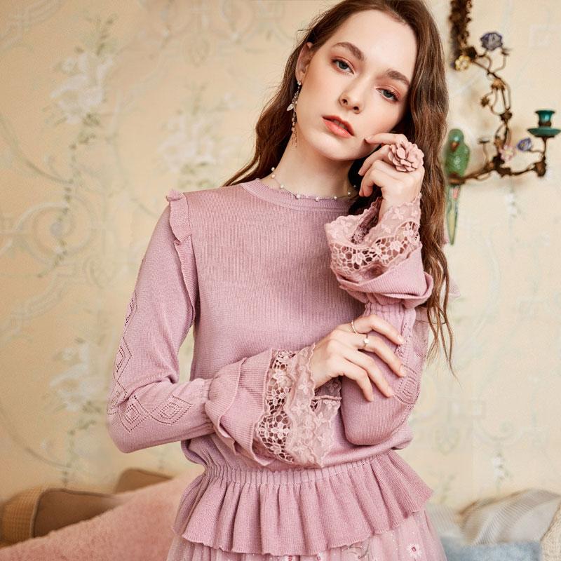 ARTKA 2018 Autumn New Women Fashion Stretch Slim Waist Pullovers Lace Stitching Flare Sleeve Knitted Sweater