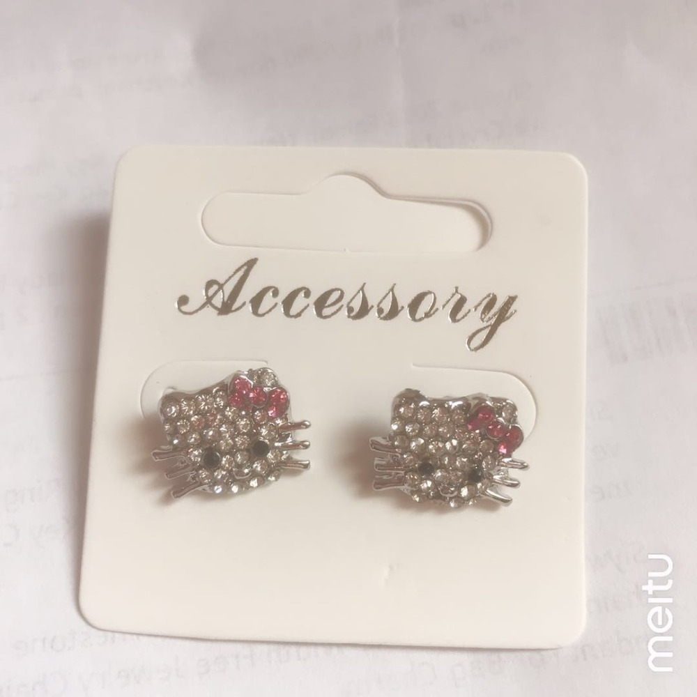 Apprehensive Free Shipping,hello Kitty Jewelry Wholesale Hellokitty Stud Earrings In Red Bow 1.6cm Width Free Jewelry Gift-2pair Comfortable Feel Earrings