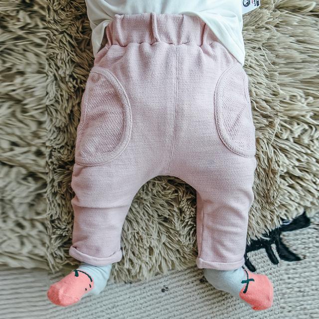 2016 Bebé Ropa de Invierno de Color Sólido Pantalones Otoño Bebes Ins Caliente Pantalones Casuales de Algodón Niñas Y Niños Pantalones Calientes