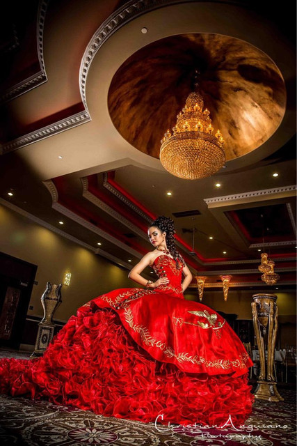 Luxo Red Vestidos Quinceanera 2016 Organza vestido de Baile Querida Bordados de Ouro Puffy doce 16 vestidos vestidos de 15 anos