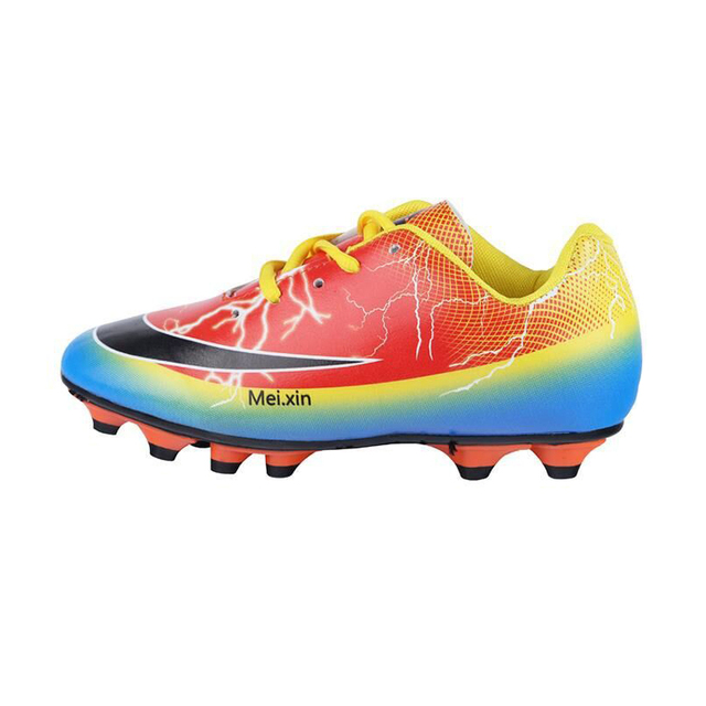 2017 New Breathable Men football Boots Professional Boots Soccer Shoes Football Cleats Newest Training Men Soccer Boots 662B