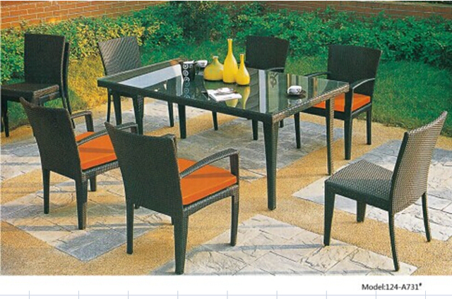 Outdoor garden dining furniture set in rattan materials from China