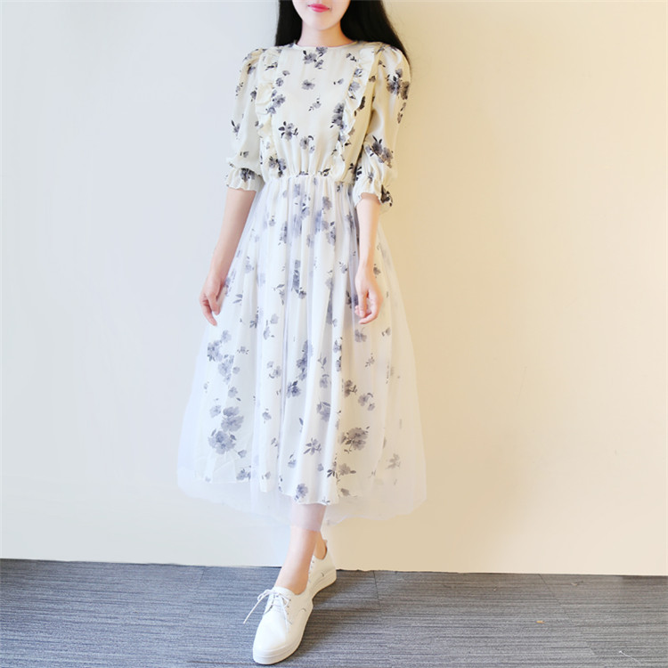 2195d8baf7f4 Summer new 2018 Korean version College style casual Mori girls Pastoral  style Floral temperament long dress half sleeve dress-in Dresses from  Women s ...