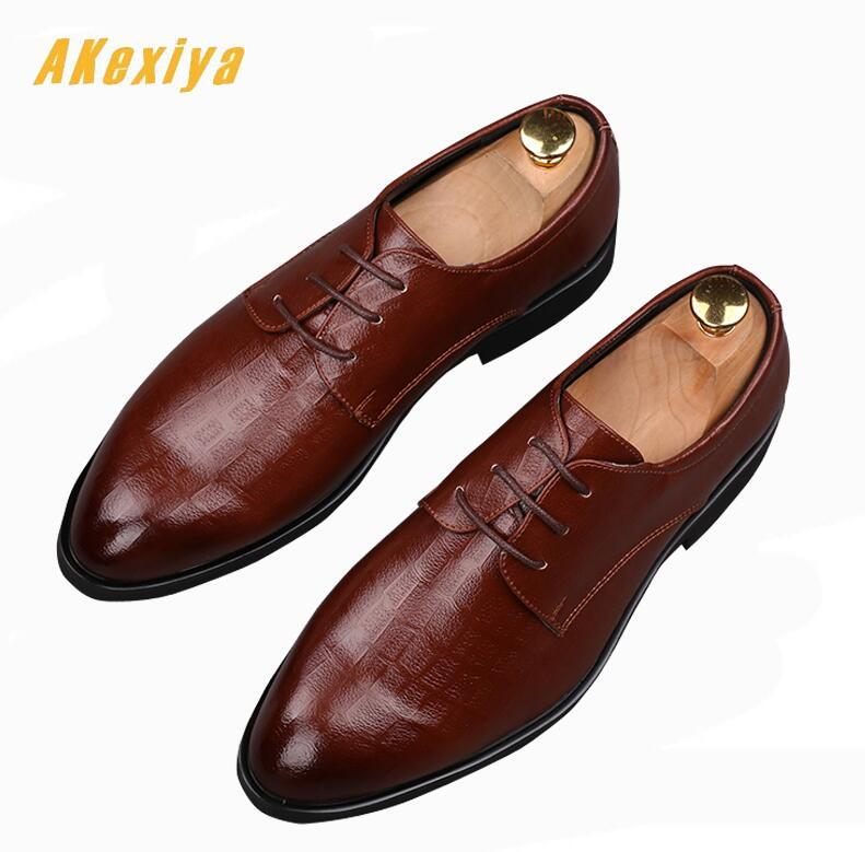 0bc531a9b Os Masculino Sapatos Casamento Moda Homem Couro up Lace 2 Vestem Apontou  Baile Homens Luxo Noivo ...