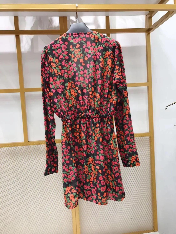 النساء جديد طويل كم البسيطة اللباس 2019 كاميليا زهرة طباعة V الرقبة أزرار الحرير أنيقة اللباس-في فساتين من ملابس نسائية على  مجموعة 3