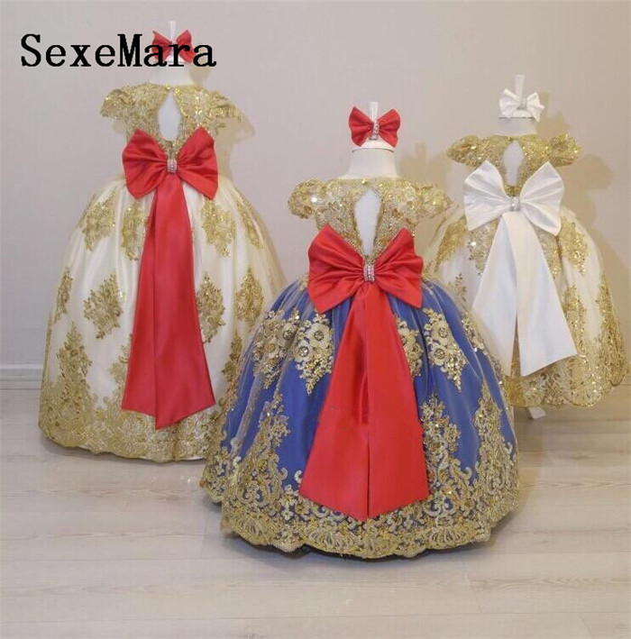 цены на Luxury Children Special Occasion Gown Baby Girls First Birthday Dress O Neck Short Sleeve Lace Beading Girls Christmas Dress в интернет-магазинах