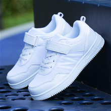 Boys white sneakers in the big children's shoes breathable b