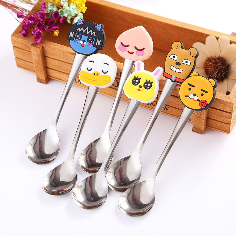 2pcs Random Cartoon Silicone Handle Stainless Steel Spoon For Baby Boys Girls Fashion Cute Mini Spoon