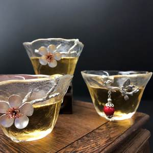 Tin glass teacups and are of unsophisticated and vivid shapes and are good for home tea tasting.