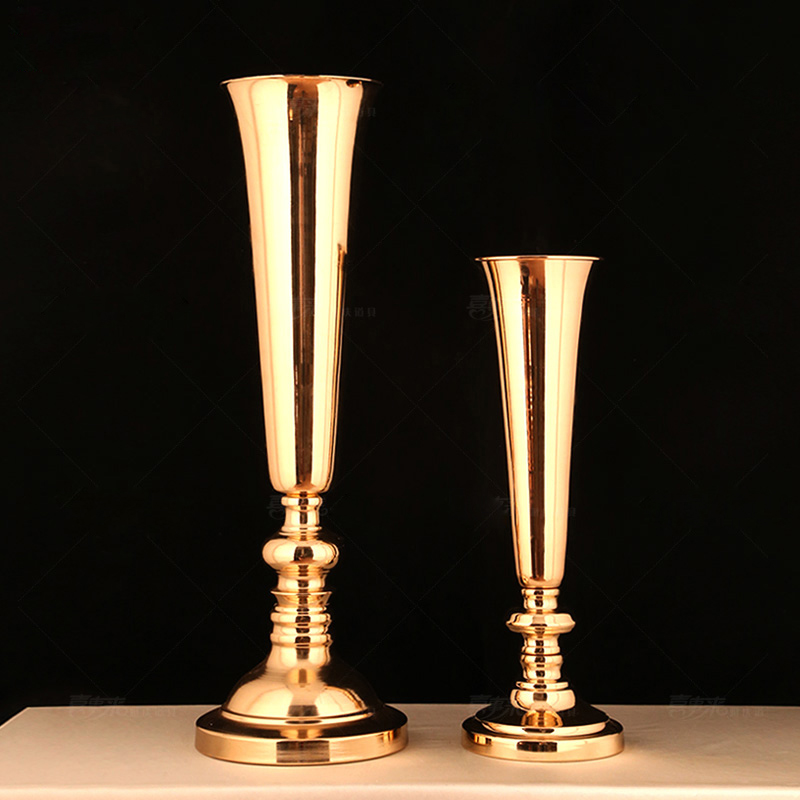 Europe Gold plating Iron Candle Holders Trumpet T platform road leading wedding table Stand Vase Wedding props CandlestickEurope Gold plating Iron Candle Holders Trumpet T platform road leading wedding table Stand Vase Wedding props Candlestick