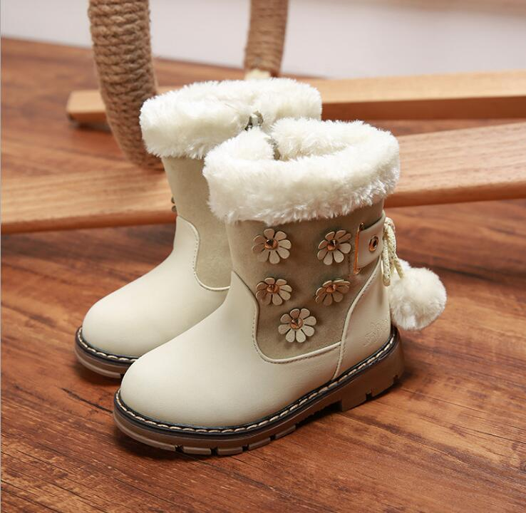 2018 Winter new girls snow boots children warm Flat with round toe zip kids shoe baby plush cattle tendons bottom non-slip boots
