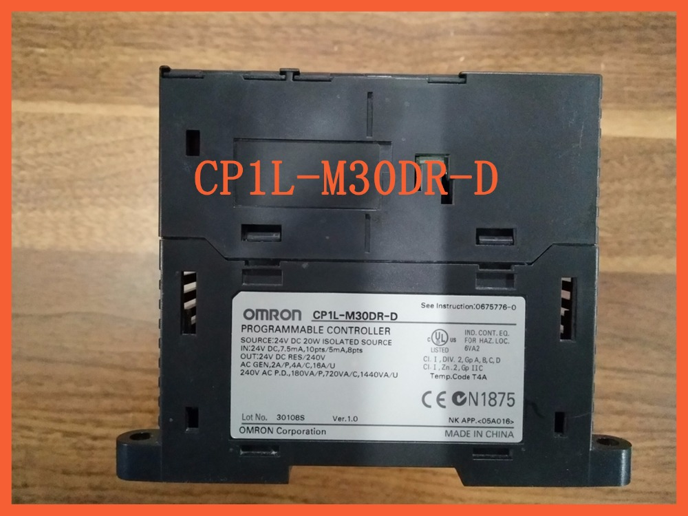 controller PLC CP1L-M30DR-D (CP1LM30DRD) 24Vdc 18 inputs and 12 relay outputs Programmable c500 bat08 plc controller battery