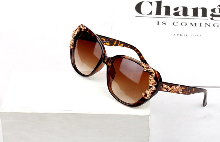 928df47f8e4 WS010 New 2014 Summer Fashion Metal Rose Carved Vintage Women Sunglasses