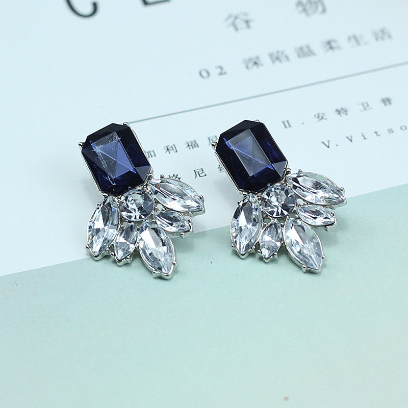Factory Price Vintage Earrings 2017 New Retro crystal simple stud earring Women Jewelry Brincos e046