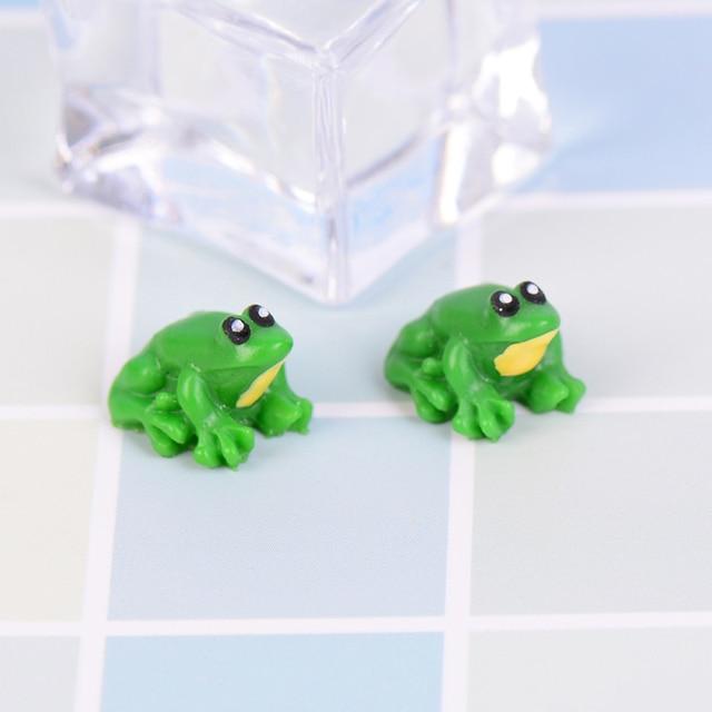 2 Pcs Little Frog Doll House Miniatures Diy Supplies Figurine Cute