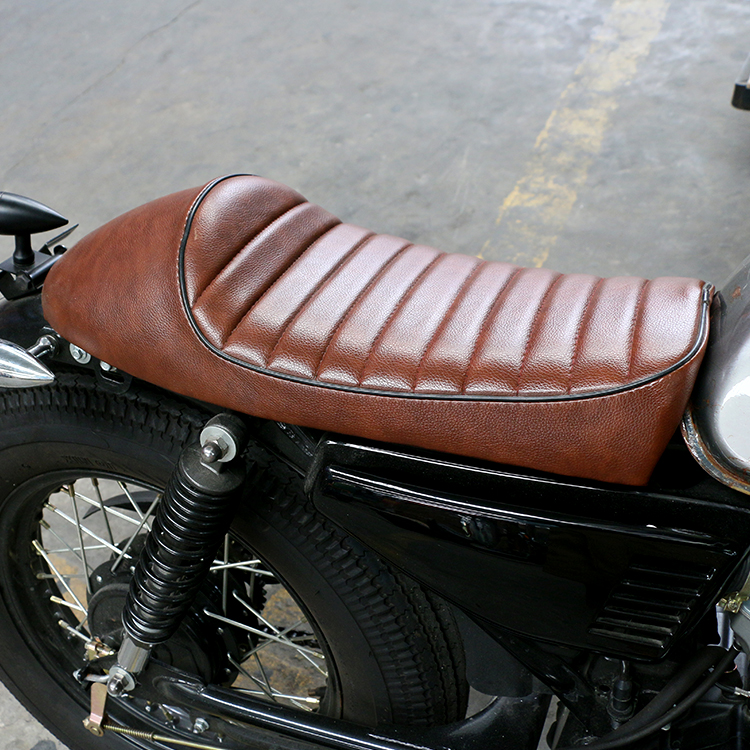 Vintage Motorcycle Cafe Racer Seat Brown Hump Saddle Locomotive For Kawasaki Z750 W650 Suzuki GT380 T250 Yamaha  RD125 250 Honda xuankun vintage motorcycle modified coffee saddle cover seat cushion cover hump tail shell tail hood