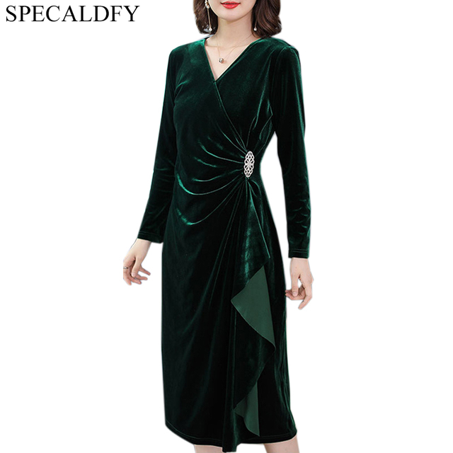 37d68e00d4497 US $26.98 20% OFF|3XL Autumn Dress Women Long Sleeve Green Velvet Dress  Winter Sexy V Neck Elegant Party Dresses Plus Size Robe Femme Ete 2018-in  ...