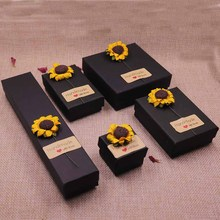24pcs 2018 hot sale DIY Flower & HandMade With Love Label Necklace box Kraft /Black /Blue/White New Design Packing Pendant Box