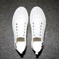 Bullock esculpida sapatos para ajudar sapatos baixos genuínos flats brogue dos homens brancos sapatos
