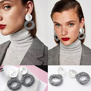 Elegant Black and White Round Big Circle Earrings 1
